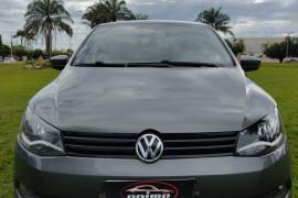 VW - VolksWagen VOYAGE TREND 1.6 Mi Total Flex 8V 4p 2014 Flex
