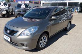 Nissan VERSA SL 1.6 16V Flex Fuel 4p Mec. 2014 Flex