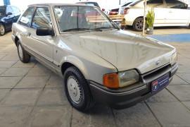 Ford Escort Ghia 1.8i / 1.8 / 1.6 1987 Álcool