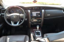 Toyota Hilux SW4 SRX 4x4 2.8 TDI 16V Dies. Aut. 2017 Diesel